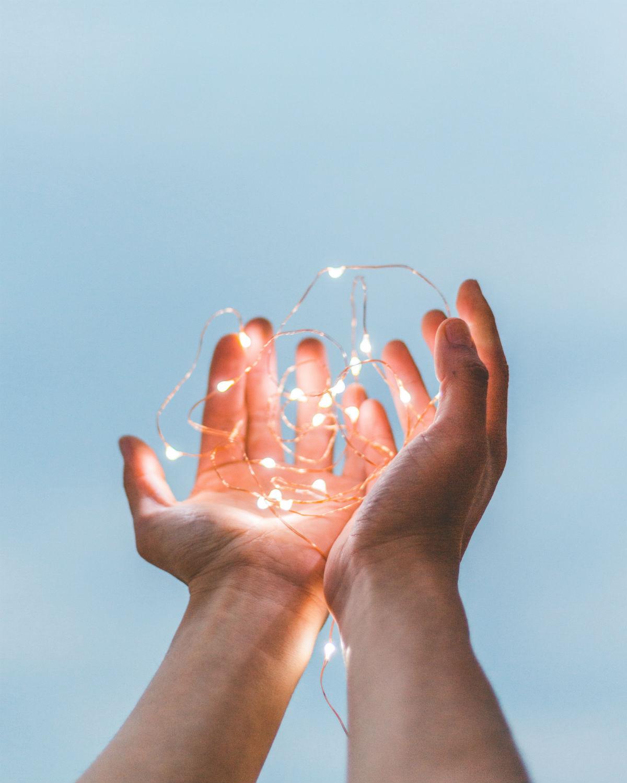 hands-2-mona-diaz-therapies
