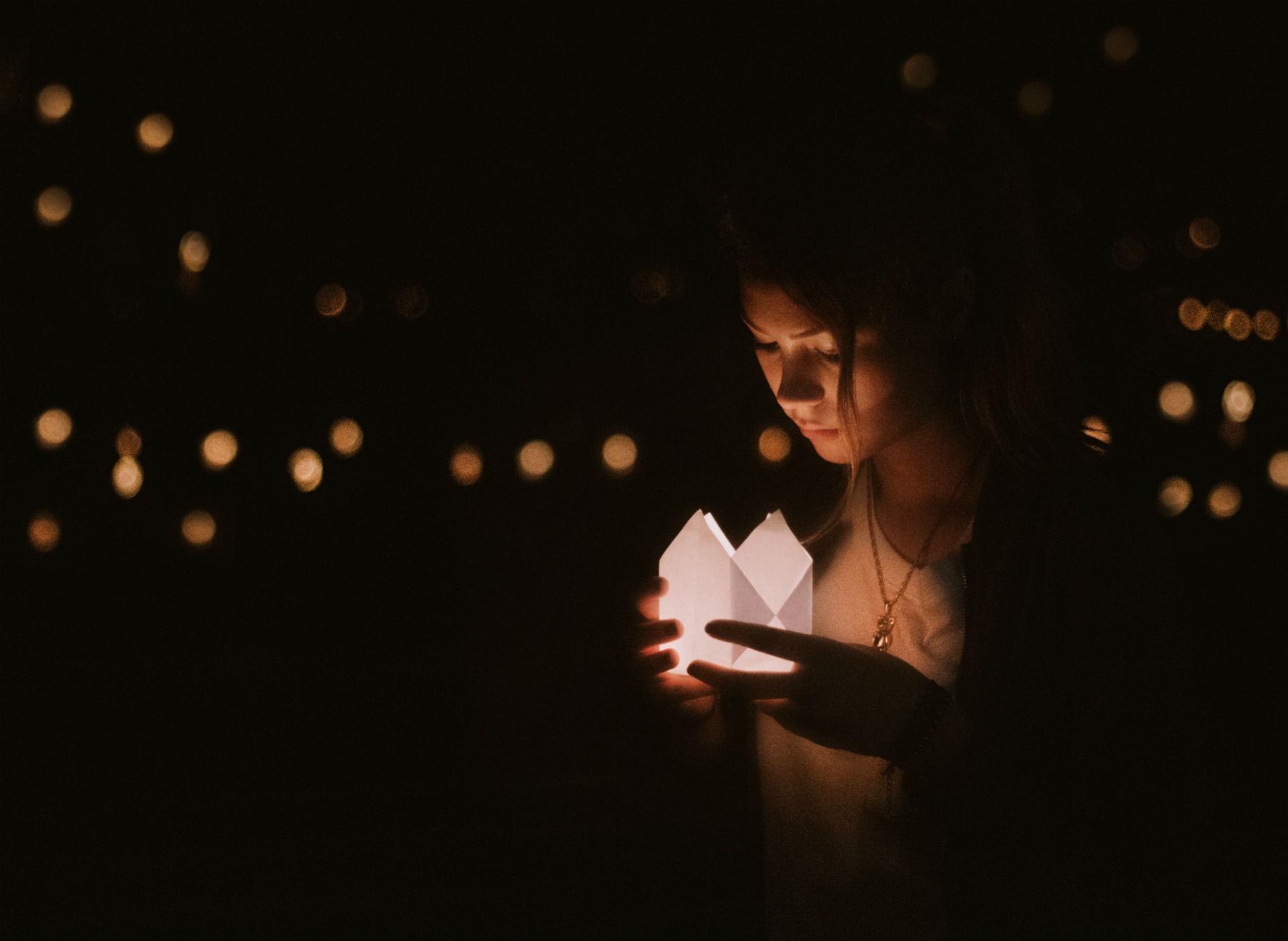 light-mona-diaz-therapies